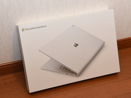 Surface Bookの箱