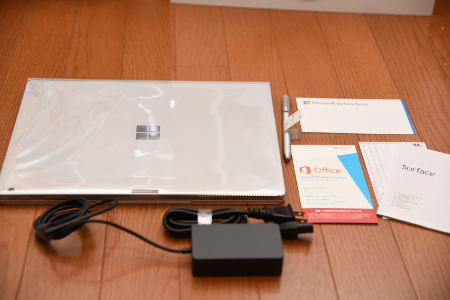 Surface Book箱の中身